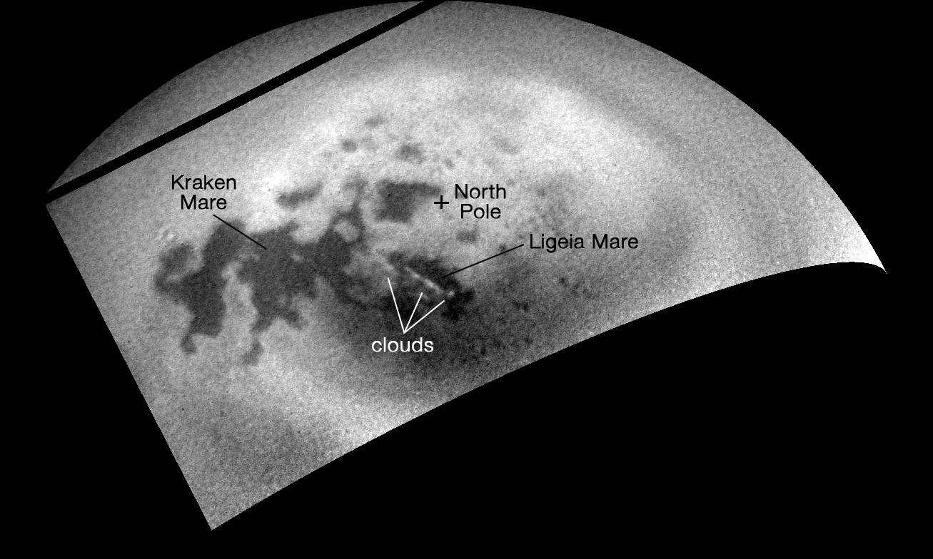 Le nubi tornano sull'emisfero nord di Titano. Crediti: NASA/JPL-Caltech/Space Science Institute